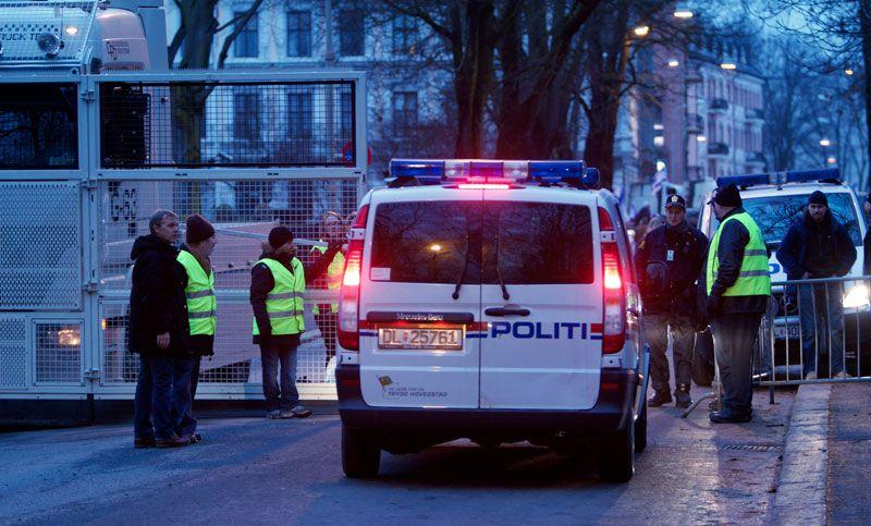Politiet sørget for god sikkerhet under støttemarkeringen. (Foto: John Christian Fjellestad)