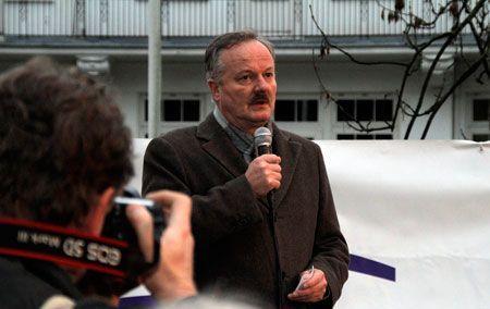 Stortingsrepresentant Peter N. Myhre talte på støttemarkeringen for Israel i Oslo lørdag 24. november 2012. (Foto: Atle Hansen, MIFF)