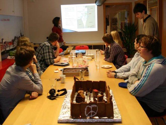 AUF i Rogaland har publisert bilde av det samme pepperkakehuset fra en annen vinkel på sin Facebook-side.