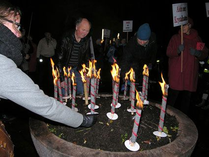 Til minne om de seks millioner jøder som ble drept i masseutryddelsene under andre verdenskrig.