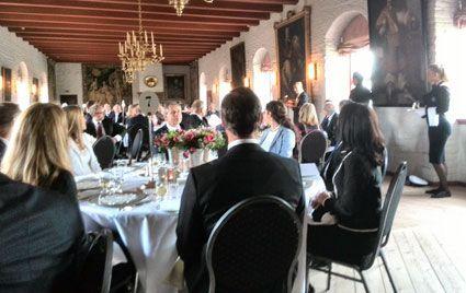 President Shimon Peres taler. Med ryggen til i midten sitter kronprins Haakon. (Foto: Morten Fjell Rasmussen)