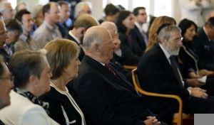 Blant Shimon Peres' tilhørere på Nobel-instituttet var Hans Majestet Kong Harald V. (Foto: Tor-Bjørn Nordgaard.)