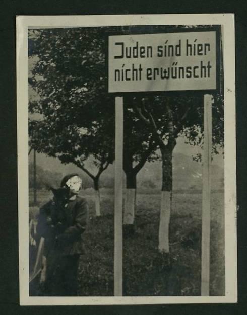 Her er jøder uønsket. (Foto: National Library)