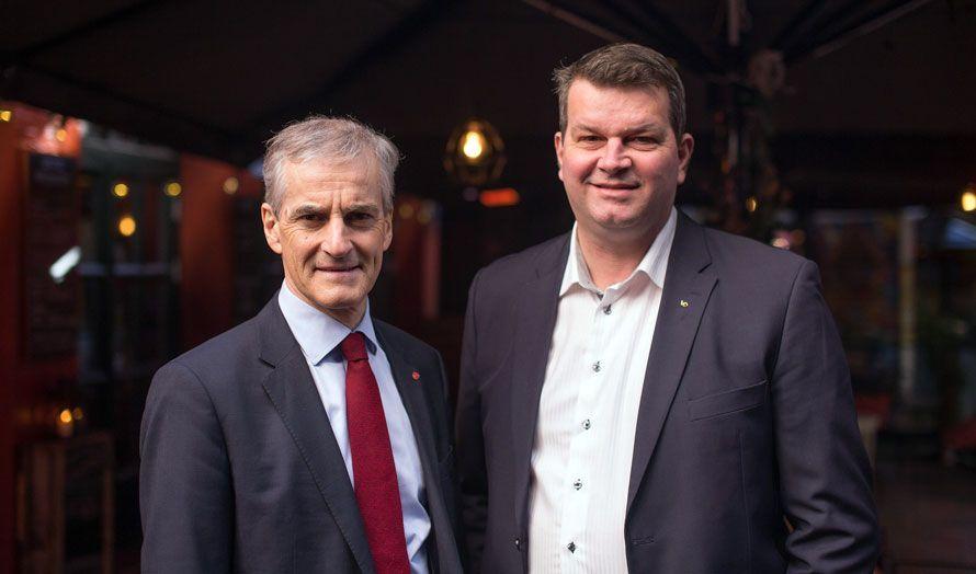 Ap-leder Jonas Gahr Støre og påtroppende LO-leder Hans-Christian Gabrielsen. (Foto: Arbeiderpartiet, flickr)