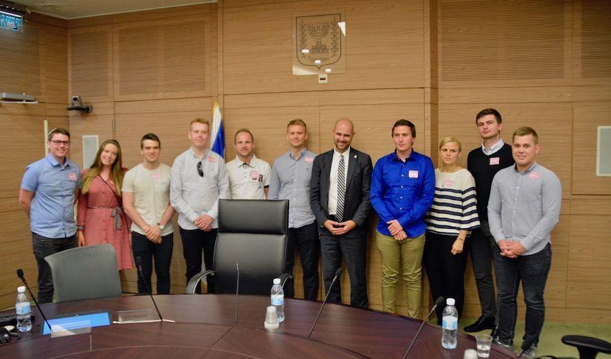 Ungdommene fikk blant annet møte Amir Ohana fra partiet Likud.