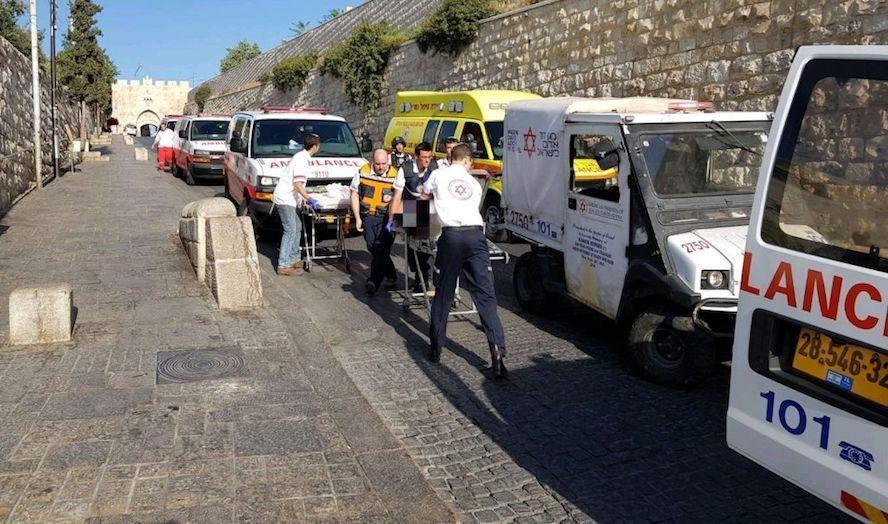 Tre personer ble skadet i et skyteangrep ved Tempelhøyden. (Foto: Magen David Adom)